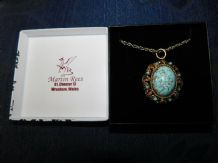 "MARTIN REES BOXED LARGE FAUX TURQUOISE & ORNATE GOLD TONE PENDANT 26"" ROPE CHAIN"